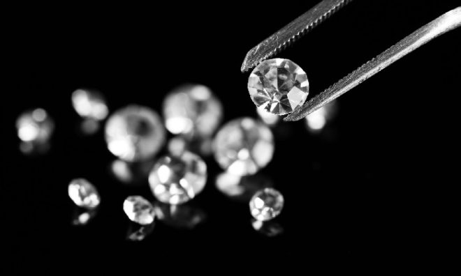 Tips Memilih Liontin Berlian Berkualitas Tinggi dengan Budget Minim
